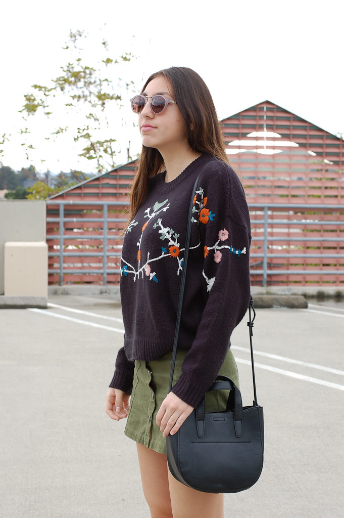 Floral sweater Green skirt side